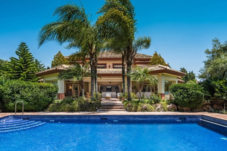 Guadalmina Baja is one of the most genuinely exclusive, prestigious, respectable and sought-after areas in Southern Europe