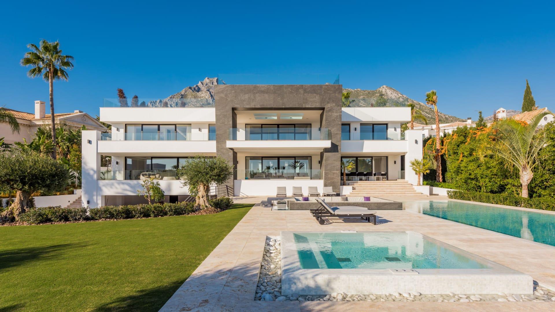 Villa moderna en Sierra Blanca, Marbella