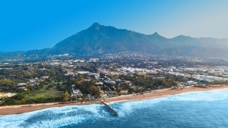 Marbella Golden Mile. Where is it? It's History and the Best Properties for Sale