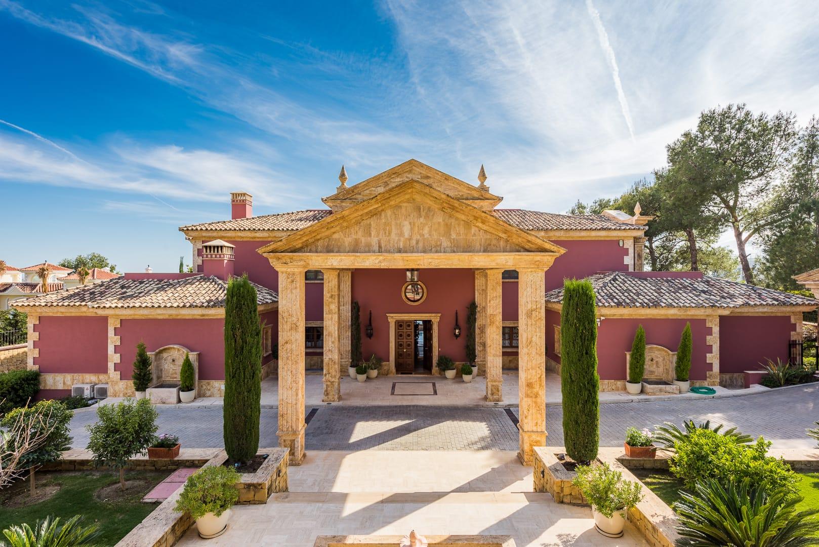villa for sale in Golden Mile